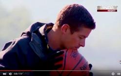 Video ném bóng vào rổ từ độ cao 126,5m gây sốt với 1,5 triệu lượt xem