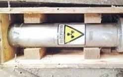 Thiết bị phóng xạ cất trong...két sắt đựng tiền bị rò rỉ