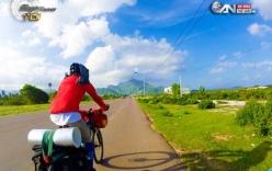 Chàng trai đưa thư xuyên Việt bằng… xe đạp