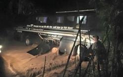 Sơn La: Xe khách chở 30 người bị lũ cuốn