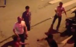 Video: Công an nổ súng trấn áp vụ hỗn chiến trước vũ trường