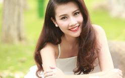 Người đẹp Thanh Tú khoe vai trần gợi cảm