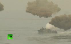 Video: HQ tập trận tấn công đổ bộ quy mô khủng đối phó Triều Tiên