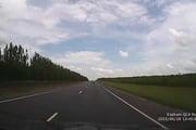 Video: Kinh hoàng ô tô đi ẩu gây tai nạn liên hoàn trên xa lộ