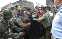 Máy bay Indonesia rơi: Số người thiệt mạng đã lên tới 141