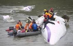 Máy bay Đài Loan rơi do phi công tắt nhầm động cơ