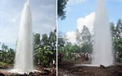 Vòi nước phun cao 15 mét giữa đường phố