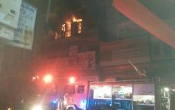 Lửa bùng cháy lúc nửa đêm trong ngôi nhà có 5 người