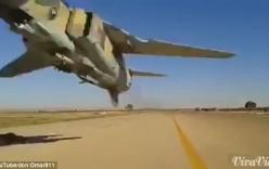 Video: Khoảnh khắc cực nguy hiểm khi chiến đấu cơ bay sát đầu người