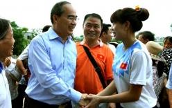 VĐV Nguyễn Thị Huyền được tặng 400 triệu đồng