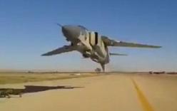 Video: Màn cất cánh cực kỳ nguy hiểm của máy bay tiêm kích MiG-23