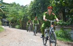 Đạp xe làm nhiệm vụ: Hình ảnh đẹp của người chiến sỹ công an