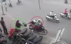 Cô gái ngã khuỵu vì bị cướp giật túi xách trong cốp xe ở Sài Gòn