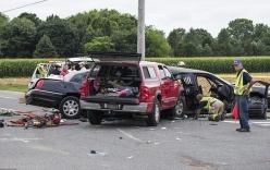 Xe tải đâm nát Limousine khiến 4 phù dâu thiệt mạng, cô dâu nguy kịch