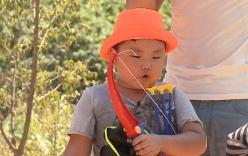Video: Con trai Xuân Bắc hát
