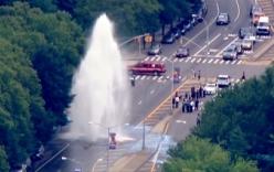 Video: Thác nước cao 12m xuất hiện giữa thành phố New York