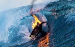 Chàng trai lướt sóng trong tình trạng tự thiêu