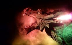 Video: Cận cảnh rồng rô bốt khổng lồ đi lại, dang cánh, khạc lửa