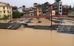 Video: Mưa lũ tràn về, thị trấn Đồng Mỏ chìm trong biển nước