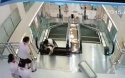 Video: Cách đi thang cuốn an toàn gây sốt cộng đồng mạng TQ