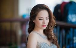 MC Đan Lê xinh đẹp, yêu kiều một mình đi sự kiện