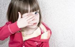 10 điều cha mẹ tuyệt đối không nên làm trước mặt trẻ