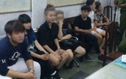 """Hai """"hot girl"""" """"gây chiến"""" trên phố Sài Gòn: Vì bị chê mặt vuông"""