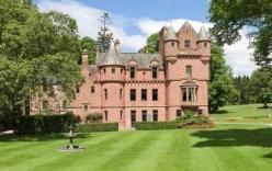 Taylor Swift mua lâu đài trăm tỷ gần nhà bạn trai?