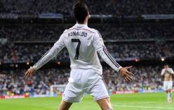 Video: Ronaldo phấn khích ăn mừng bàn thắng trên sân tập