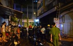 TP HCM: Cháy lớn trong khách sạn, giải cứu được 2 thanh niên mắc kẹt
