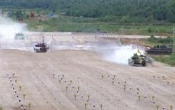 Video: Những cảnh ngoạn mục nhất trong cuộc đua xe tăng tại Nga