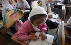 300 nữ sinh Afghanistan nhập viện vì hít phải khí lạ tại trường
