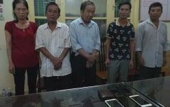 Hà Nội: Bà lão 75 tuổi móc ví du khách nhanh như chớp