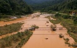 Chuyện lạ: Sông Ngàn Phố đột nhiên chuyển màu