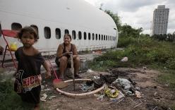 Chùm ảnh: Chật vật mưu sinh tại nghĩa địa máy bay giữa thủ đô Bangkok