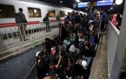 Đức đóng cửa biên giới, tạm ngăn dòng người tị nạn khổng lồ