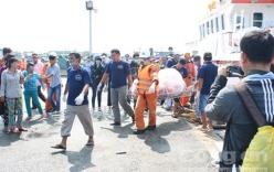 Đưa thi thể 11 ngư dân trong vụ nổ tàu cá trên biển Vũng Tàu vào bờ