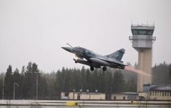 Pháp lần đầu không kích khủng bố IS ở Syria