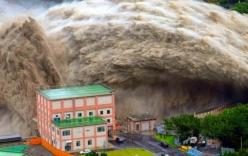 Video: Kinh hoàng trước cảnh xả lũ tại đập thủy điện Đài Loan