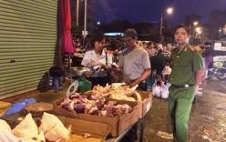 Bắt giữ và tiêu hủy hàng trăm kg tim lợn mốc ở chợ Phùng Khoang