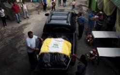 Cả gia đình ôm nhau chết trong lở đất ở Guatemala