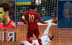 Fabregas sút hỏng 11 mét ngay trước mặt Mourinho