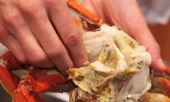 Mẹo lấy sạch thịt cua cực nhanh, cực đơn giản