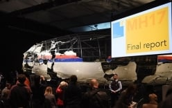 Video: Tái hiện khoảnh khắc MH17 bị tên lửa hủy hoại