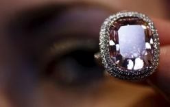 Đấu giá viên kim cương hồng lớn nhất và tinh khiết nhất thế giới