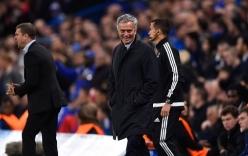 CĐV Chelsea khiến Mourinho cảm động