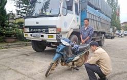 Hai vợ chồng bị cuốn vào gầm xe tải, tử vong