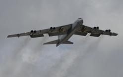 Mỹ đưa B-52 tuần tra Biển Đông, Trung Quốc phản ứng gay gắt