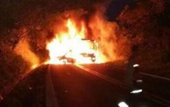 Mexico: Xe bus bị đâm bốc cháy, 24 người thiệt mạng
