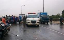 Xe tải tông xe máy trên cầu vượt, nam thanh niên tử vong